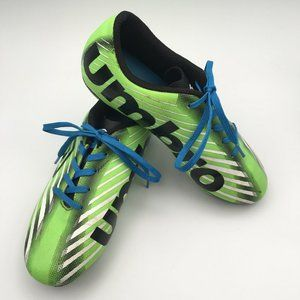 Umbro soccer cleats size 2